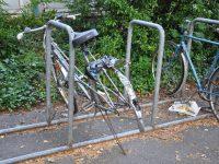 Skrotcykler sættes i stand til studerende