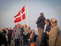 Standeren tages ned i Taarbæk Sejlklub