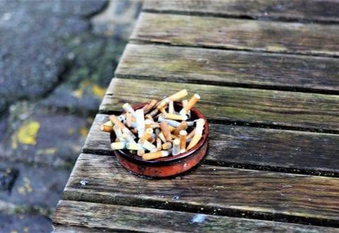 Danskerne er trætte af cigaretskod i naturen