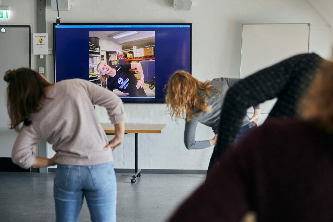 Få gratis træning på hjemmekontoret – endda sammen med kollegerne